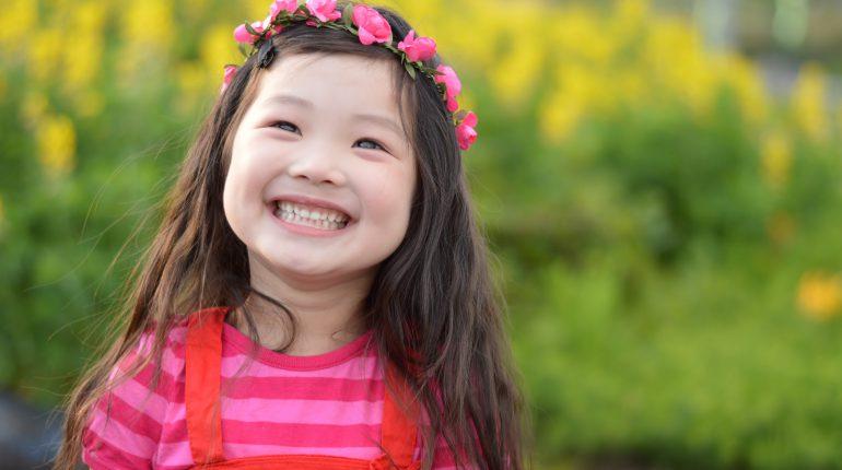 笑顔女の子